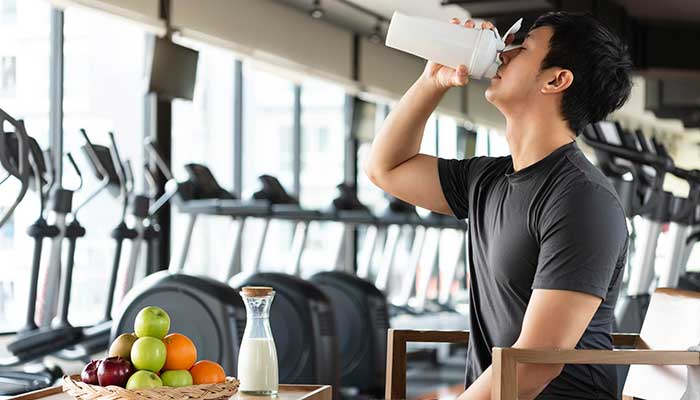 What to Eat and Drink After Workout